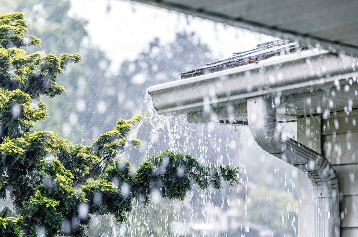 Hus i regn